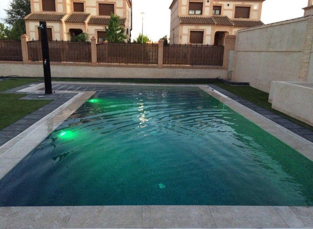 Empresa de piscinas de obras en madrid y toledo for Piscina juan de toledo